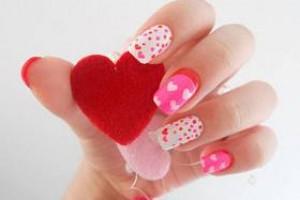«Сердечная» love-story на твоих ногтях: маникюр на День святого Валентина