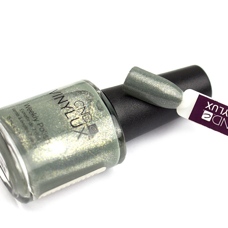 Лак CND Vinylux Weekly Polish 186 Wield Moss зеленовато-серый с мерцающими шиммерами, 15 мл, фото 2, 149.00 грн.