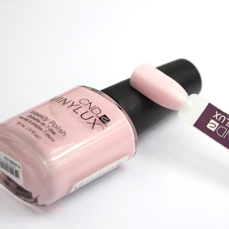 Лак CND Vinylux Flirtation 214 Be Demure, рожевий, 15 мл, фото 2, 149.00 грн.